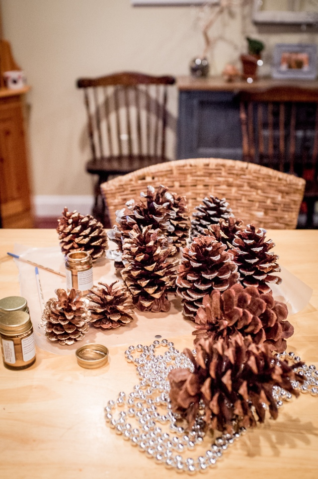 DIY Gold Dipped Pine Cones - Jackietara blog